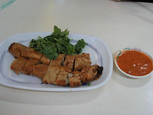 「肉羹番」的肉捲,一條30元,聽說上過國宴,也是必吃