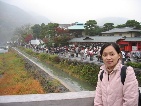 遊客也爆多的,大都是台灣來的