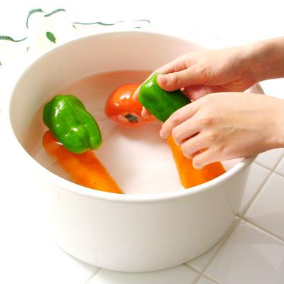 《野田琺瑯》多用途蔬果清洗盆‧圓形款001.jpg