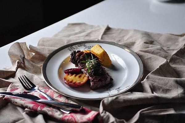 <水蒸氣式>健康燒烤‧蒸煮鍋-牛排擺盤