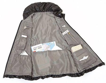 日本Dinos輕鬆出門12口袋保暖背心
