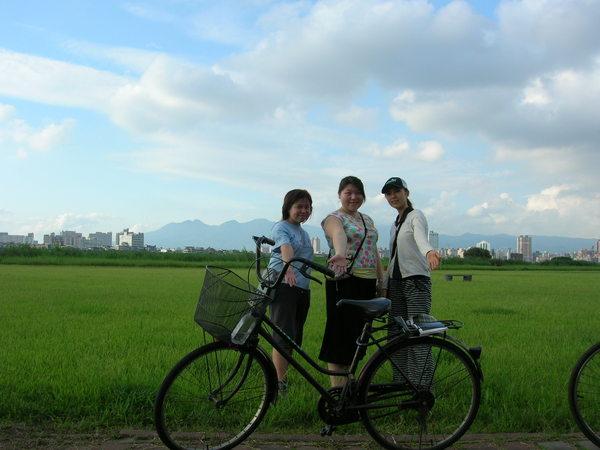 還是來去騎車吧