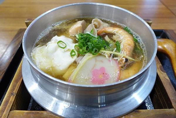 海鮮鍋燒烏龍麵