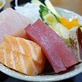 生魚片丼1