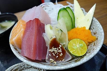 生魚片丼2