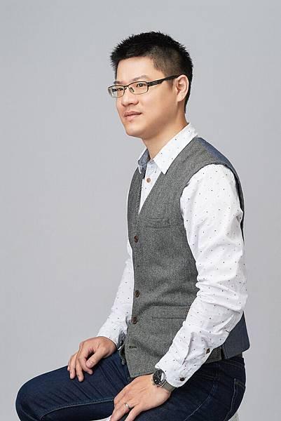 設計師黃旭宏.jpg