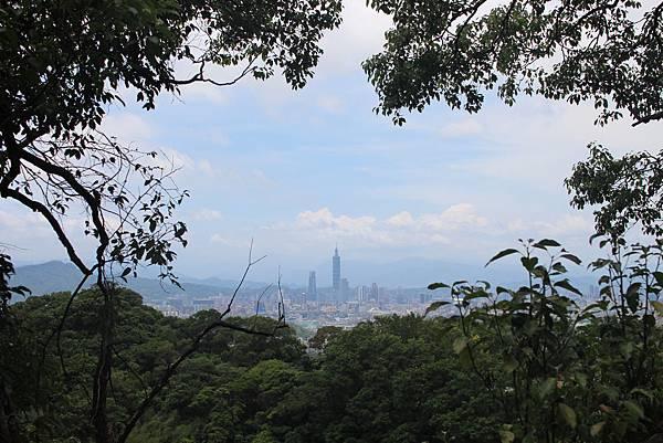 內湖碧山巖登山健走 (54).JPG