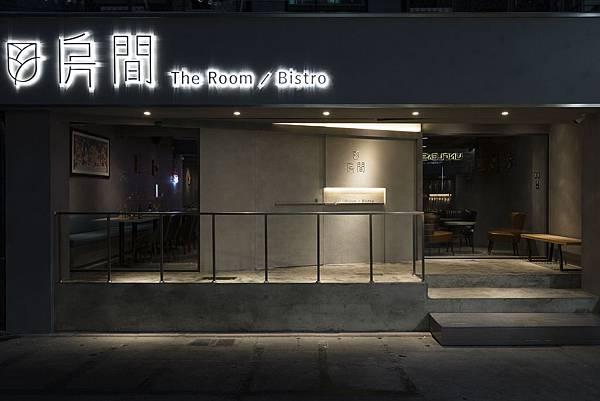 THE ROOM-01.jpg