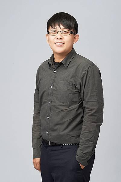 設計師陳俊傑.jpg
