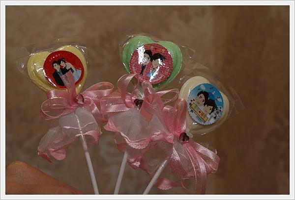 志君&雅君結婚 30x30mm 棒棒糖Q版貼紙