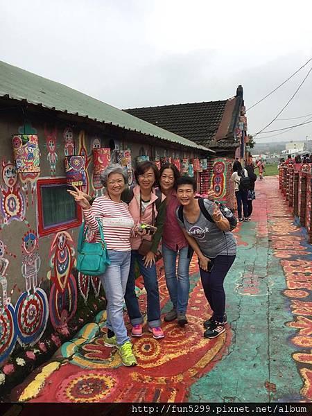 馬來西亞 吉隆坡 盧、陳、李、符、四位女士~在彩虹村。