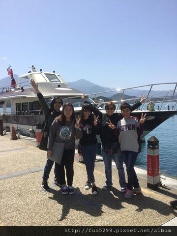 香港 張小姐與四位好友~在日月潭。