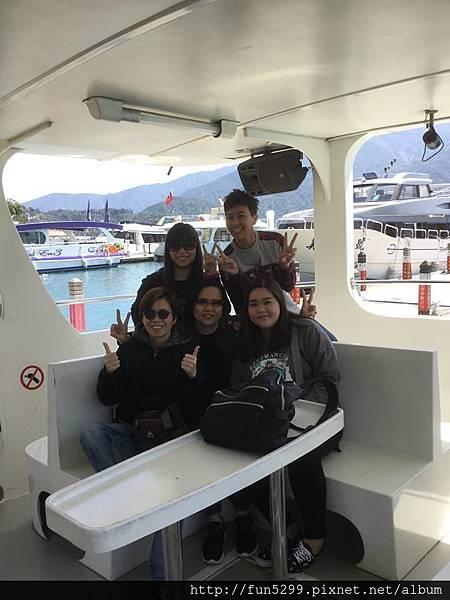香港 張小姐與四位好友~在日月潭-搭遊艇遊日月潭。