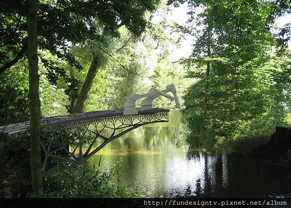 Slideshow-Joris-Laarman-MX3D-3D-printed-bridge-visualisation-park.jpg