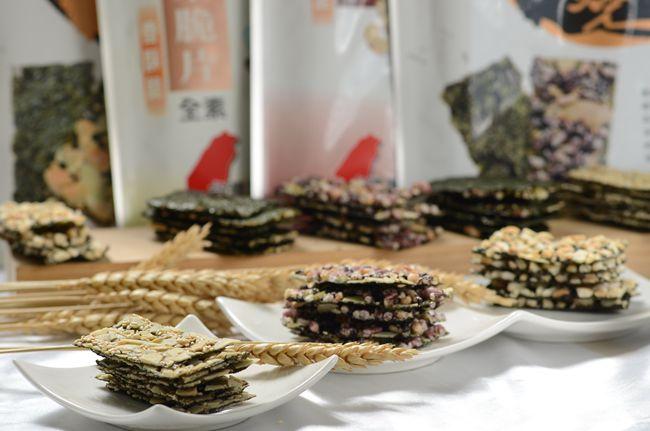 海苔夾心黑米燒手工精製、不油炸、無添加防腐劑.JPG