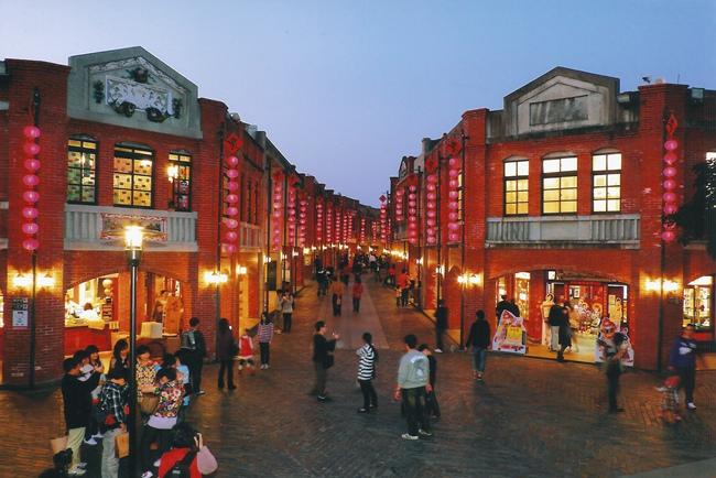 傳藝中心愈夜愈美麗 初一至初六營業至晚間八點讓遊客玩得更盡興.jpg