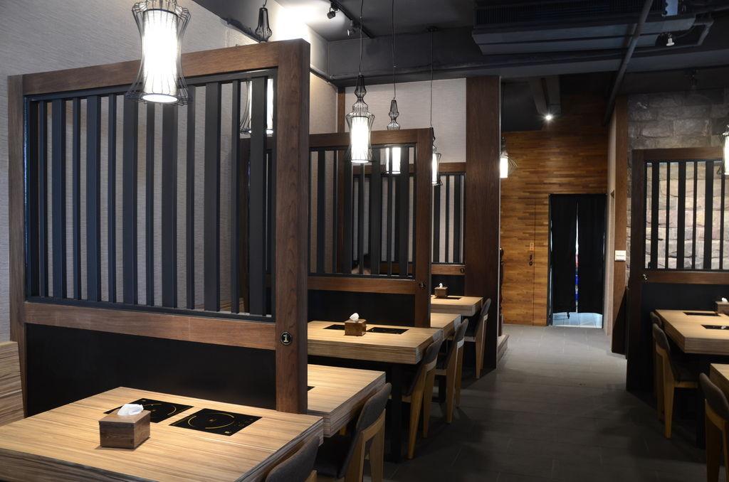柔和燈光舒適用餐環境,享受陿意氛圍.JPG