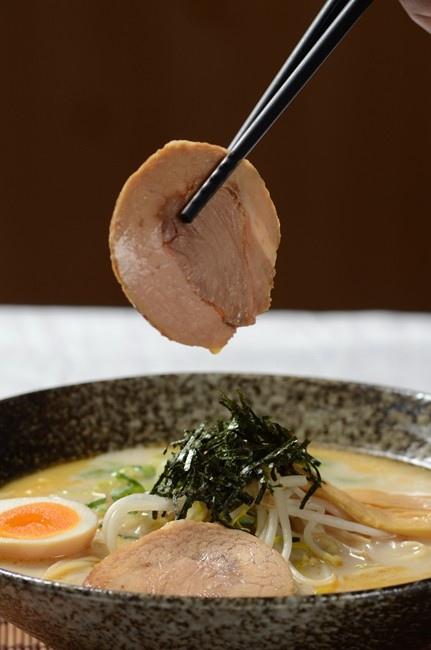 1.博多豚骨叉燒,湯中極品,五花肉軟嫩適中 (1).jpg