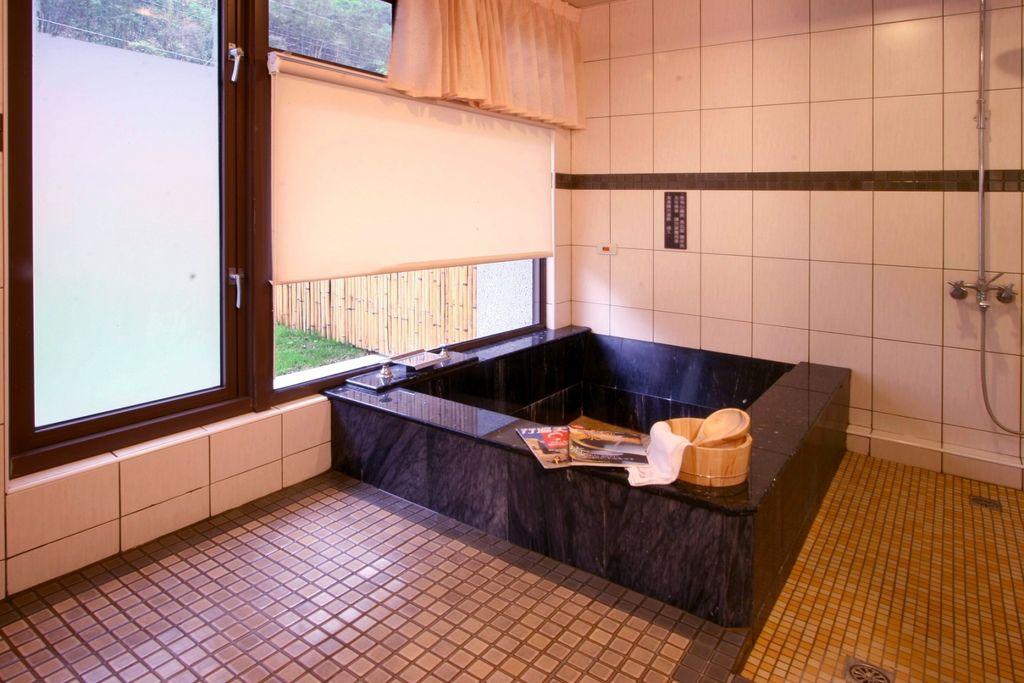 雙床豪華房Ⅱ-2浴室.jpg