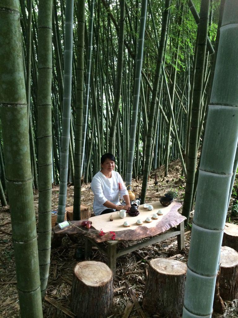 竹林裡的茶席意境深遠.jpg