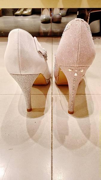 婚鞋比較  鞋跟