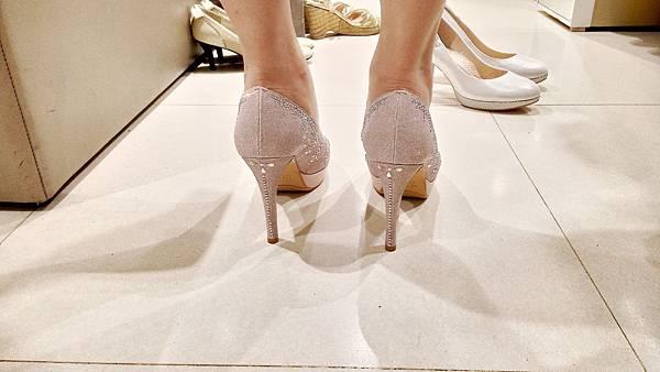 粉色水晶婚鞋  背面
