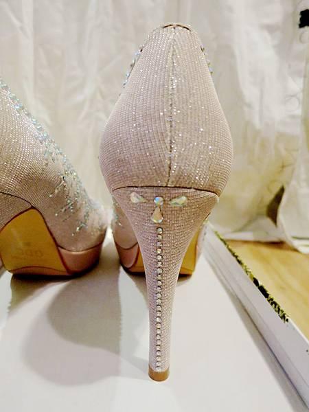 粉色水晶婚鞋