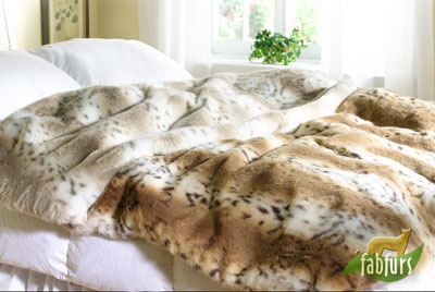 lynx-light-dark-throw-bed.jpg