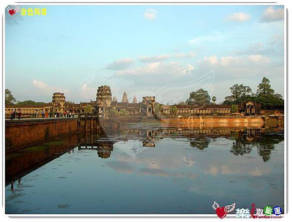 金色吳哥-小吳哥窟AngkorWat護城河-03