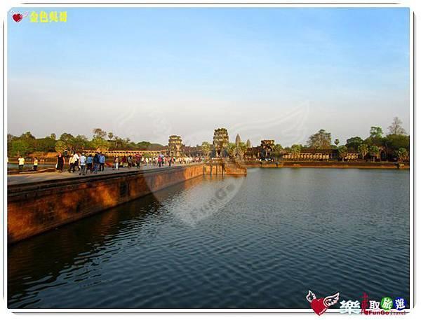 金色吳哥-小吳哥窟AngkorWat護城河-08
