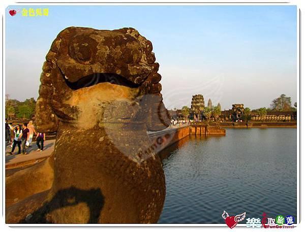 金色吳哥-小吳哥窟AngkorWat護城河-07