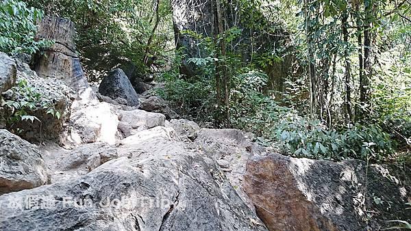 038(B)Erawan Waterfall .JPG