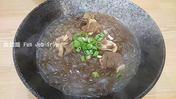 010竹北阿榮師啤酒鴨.JPG