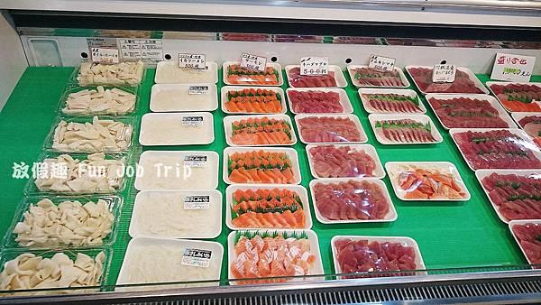 003泊港魚市場まぐろ食堂.JPG