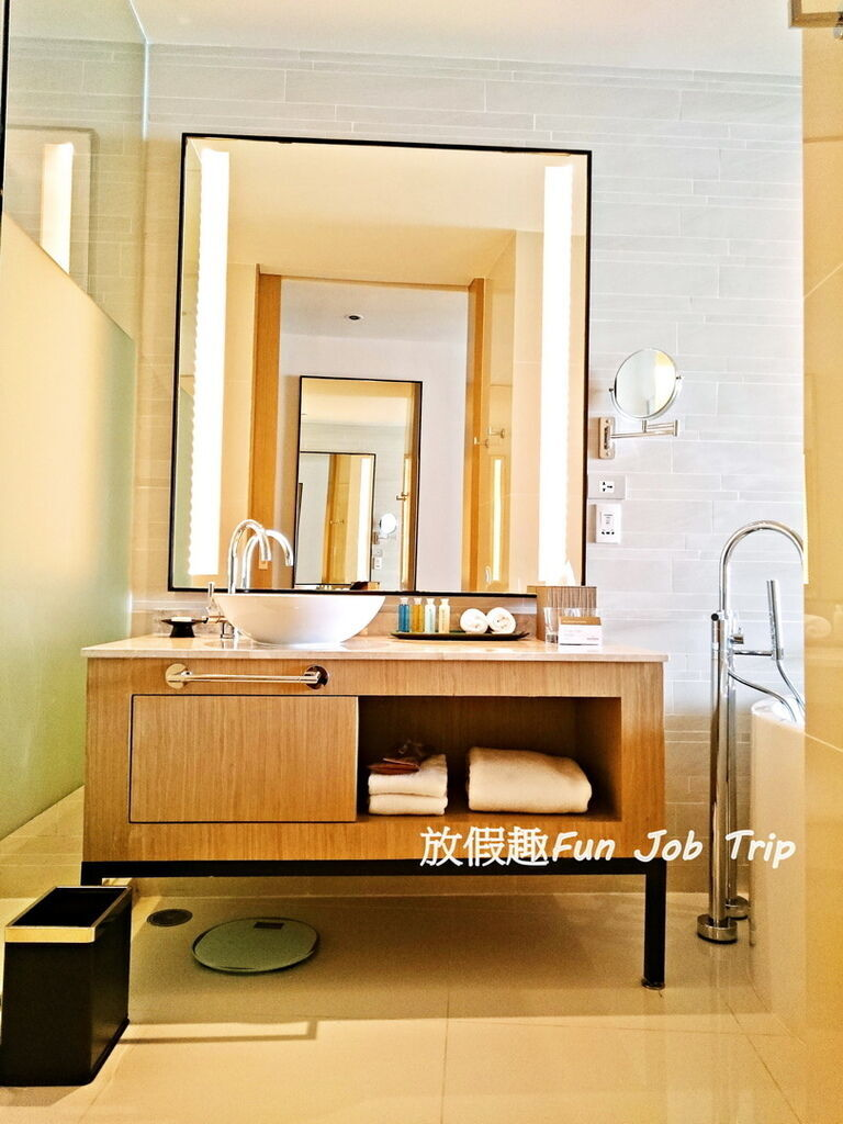 006Movenpick Siam Hotel Pattaya.jpg