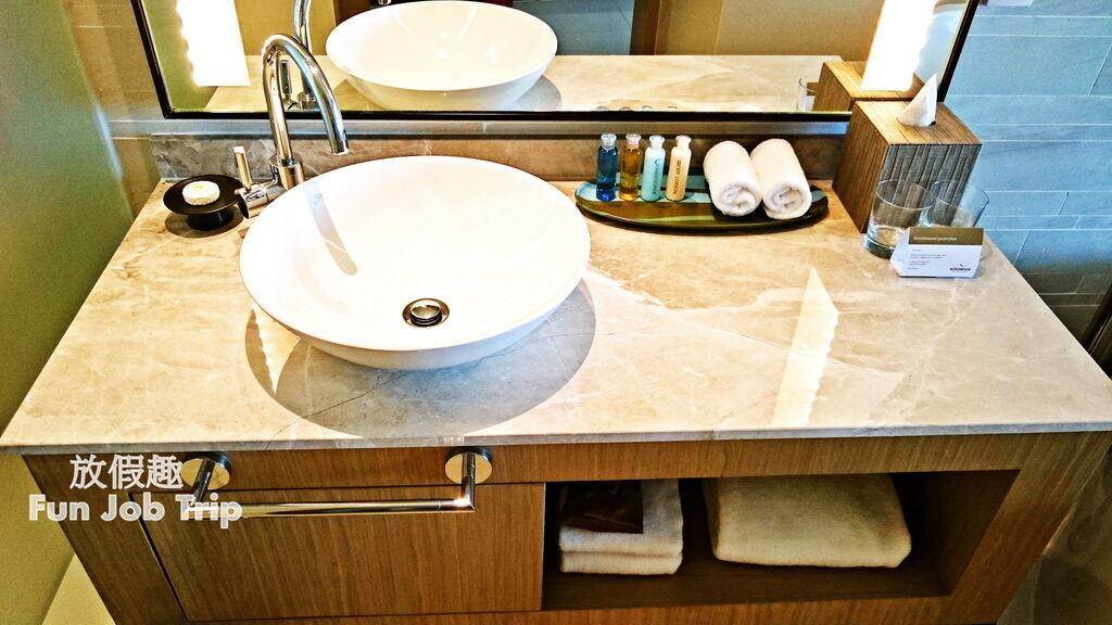 008Movenpick Siam Hotel Pattaya.jpg