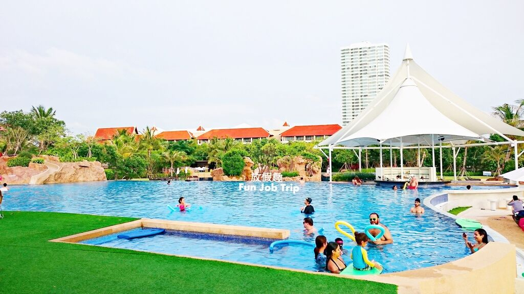 009(設施早餐)Movenpick Siam Hotel Pattaya.JPG