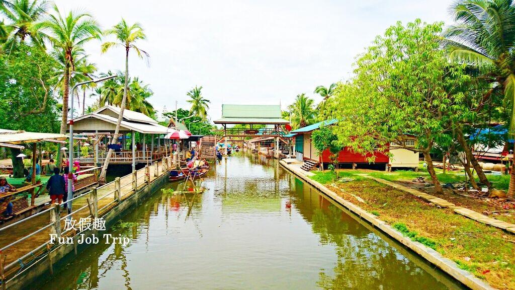 021Tha Kha Floating Market.jpg