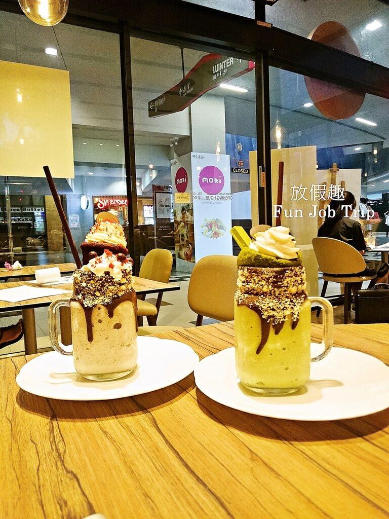 013MORI Dessert Bar.jpg