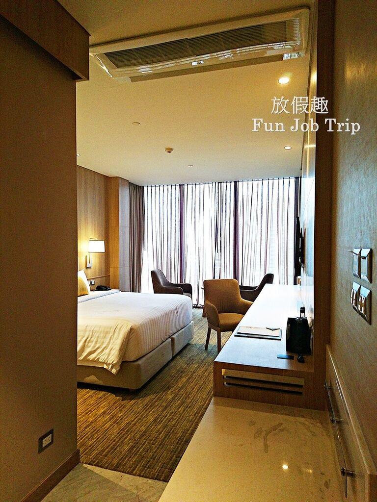 009Compass SkyView Hotel.jpg