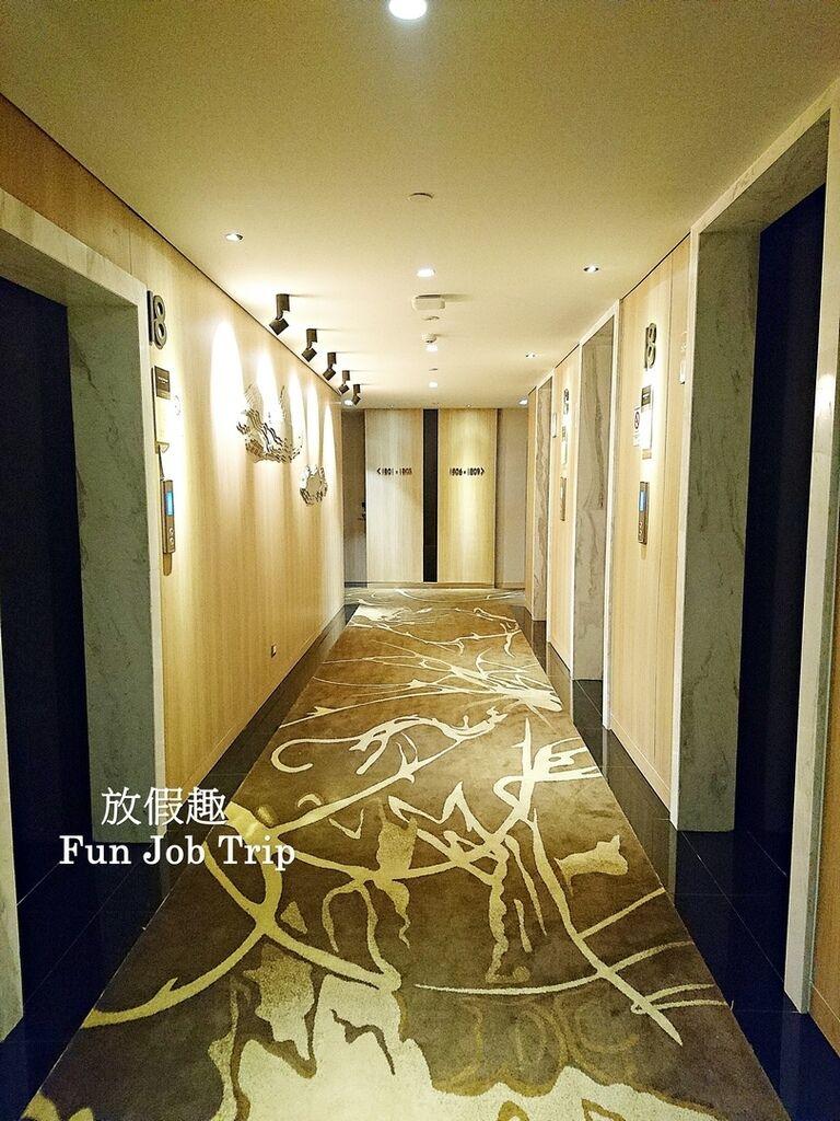 037Compass SkyView Hotel.jpg
