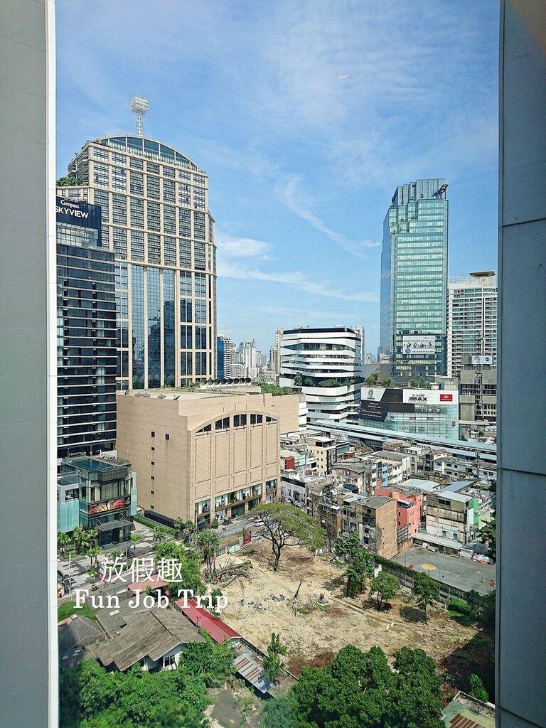021.DoubleTree by Hilton Sukhumvit Bangkok.jpg