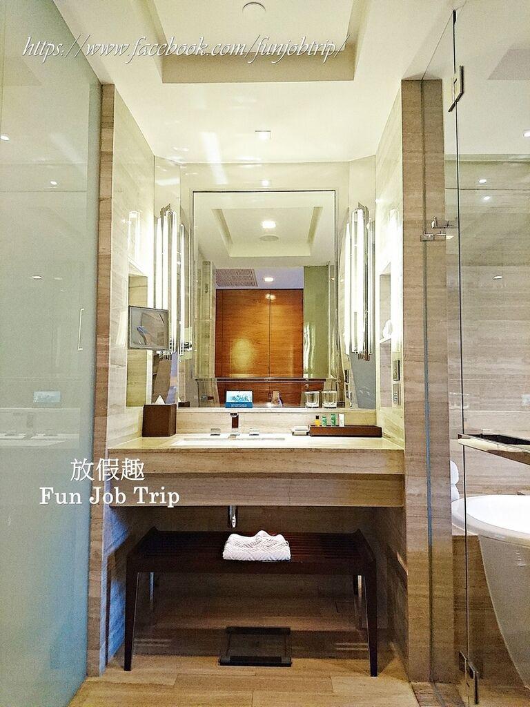 002.Hilton Sukhumvit.jpg