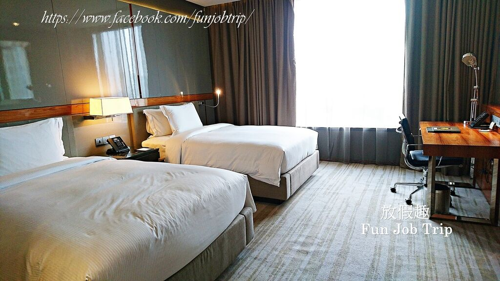 012.Hilton Sukhumvit.jpg