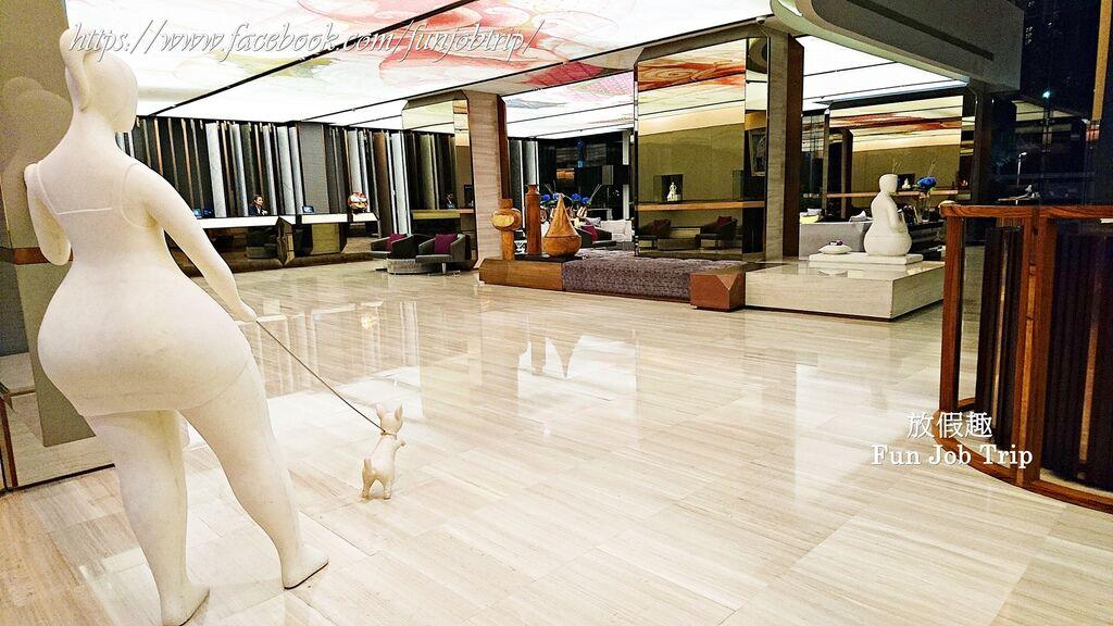 040.Hilton Sukhumvit.jpg