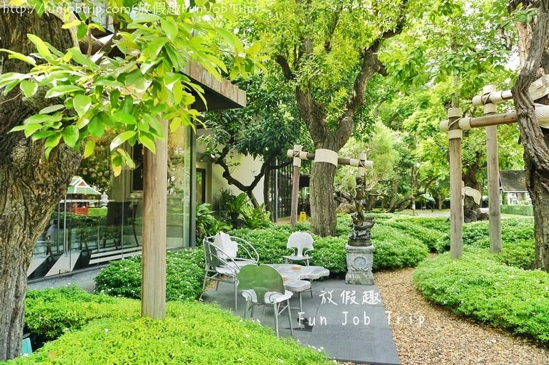 002.Lady L Garden Bistro.JPG