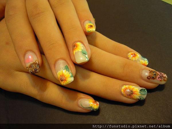 光療指甲加彩繪