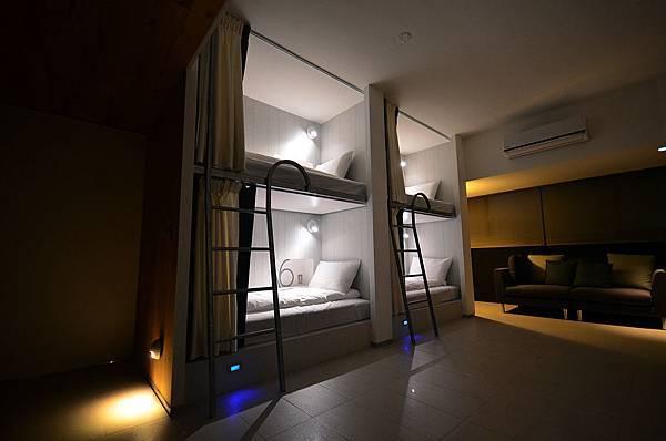 a bed house1.jpg