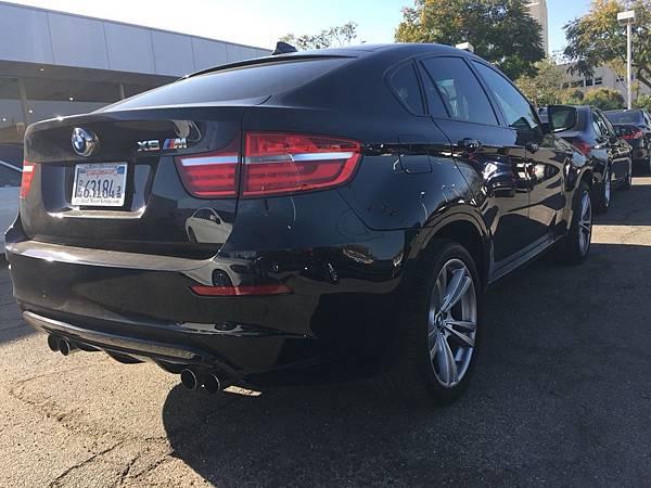 BMW X6M.jpg