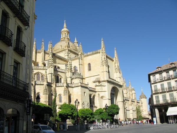 塞哥維亞大教堂遠眺
